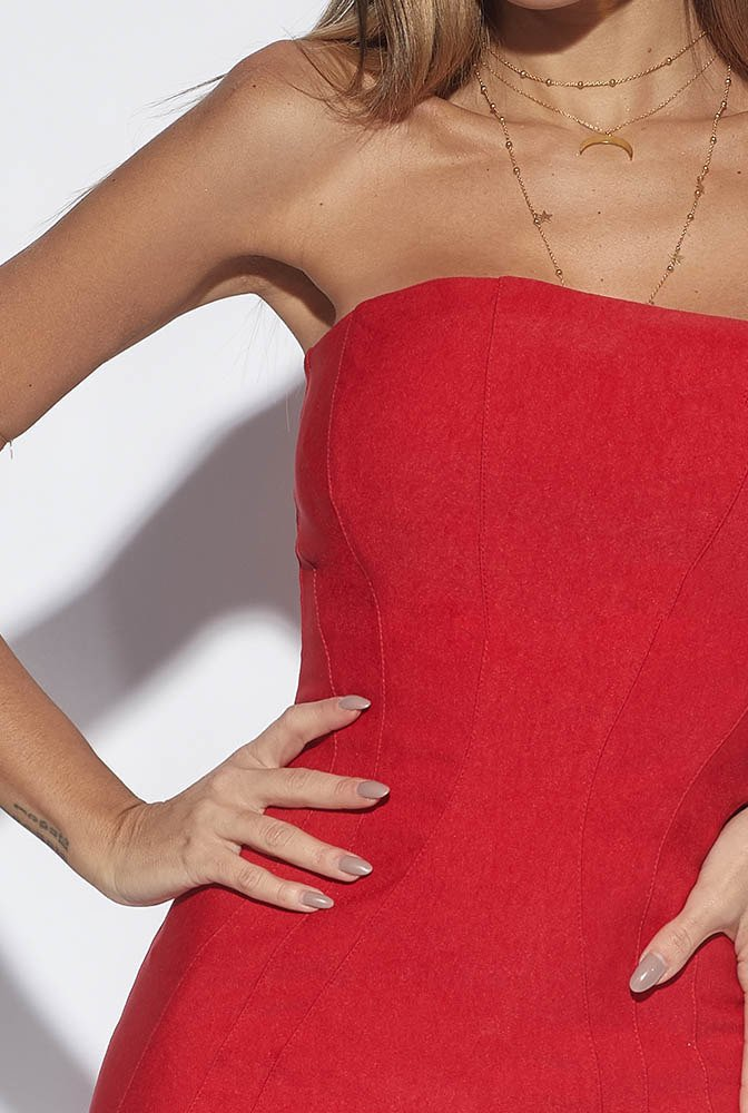 CHLOE - RED DRESS WITH INDENTATION