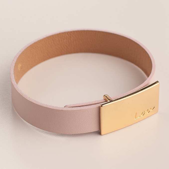 LEATHER BABY PINK BRACELET WITH A BUCKLE