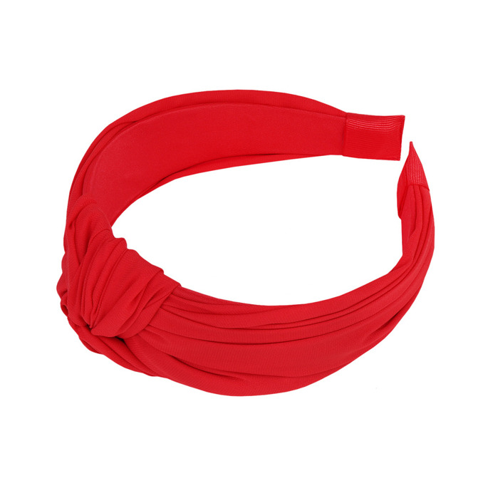 RED BAND WITH A KNOT DETAIL