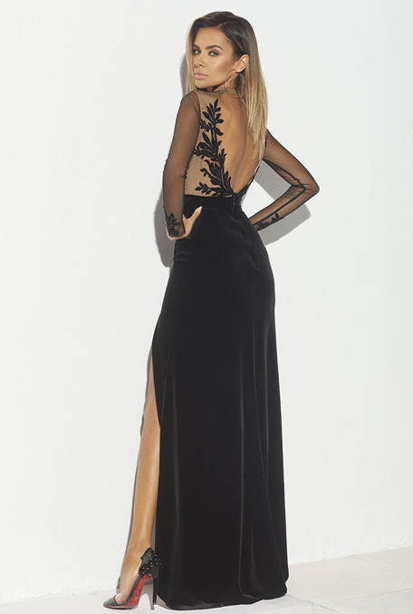 SHIFTER - BLACK GOWN WITH LACE